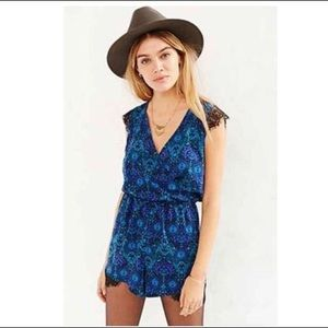 Urban Outfitters Kimchi Blue Romper XS